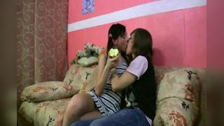 YOUNG BRUNETTE PLAYING WITH REPRODUCTIVE ORGANS BOYFRIEND