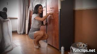 Alexa Tomas Spanish Babe Gives Glory Hole Cock Deepthroat